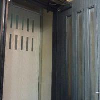 猫の脱走防止扉