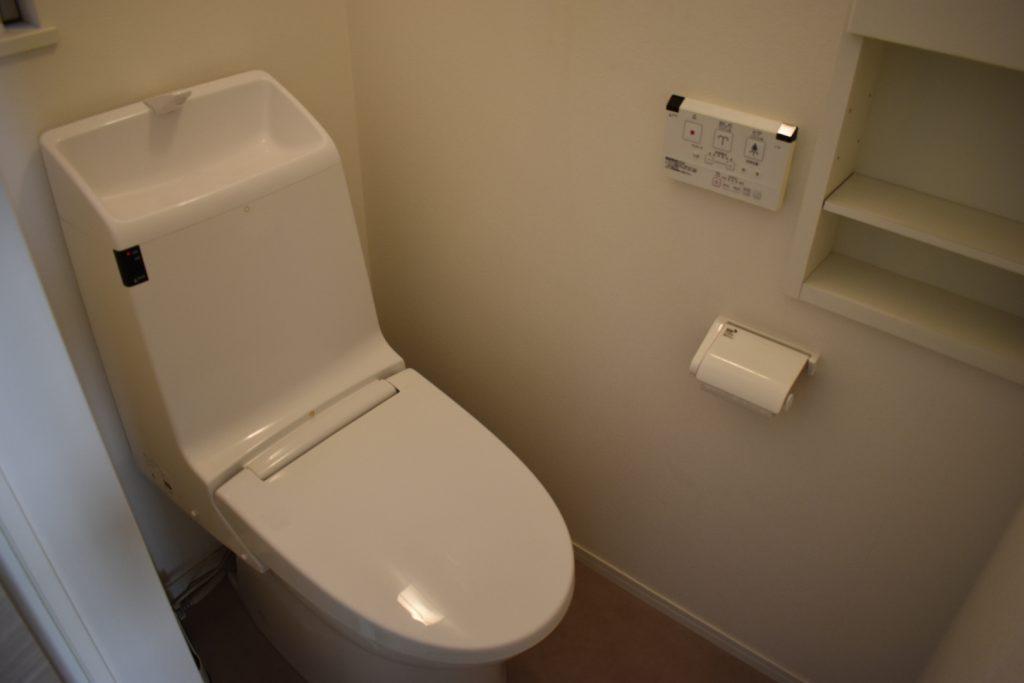 ピカピカのトイレ