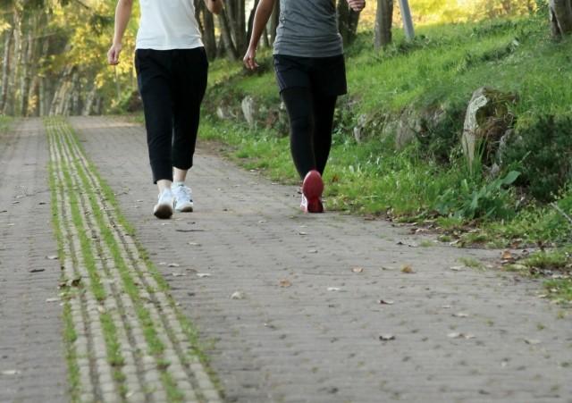 2人で歩く
