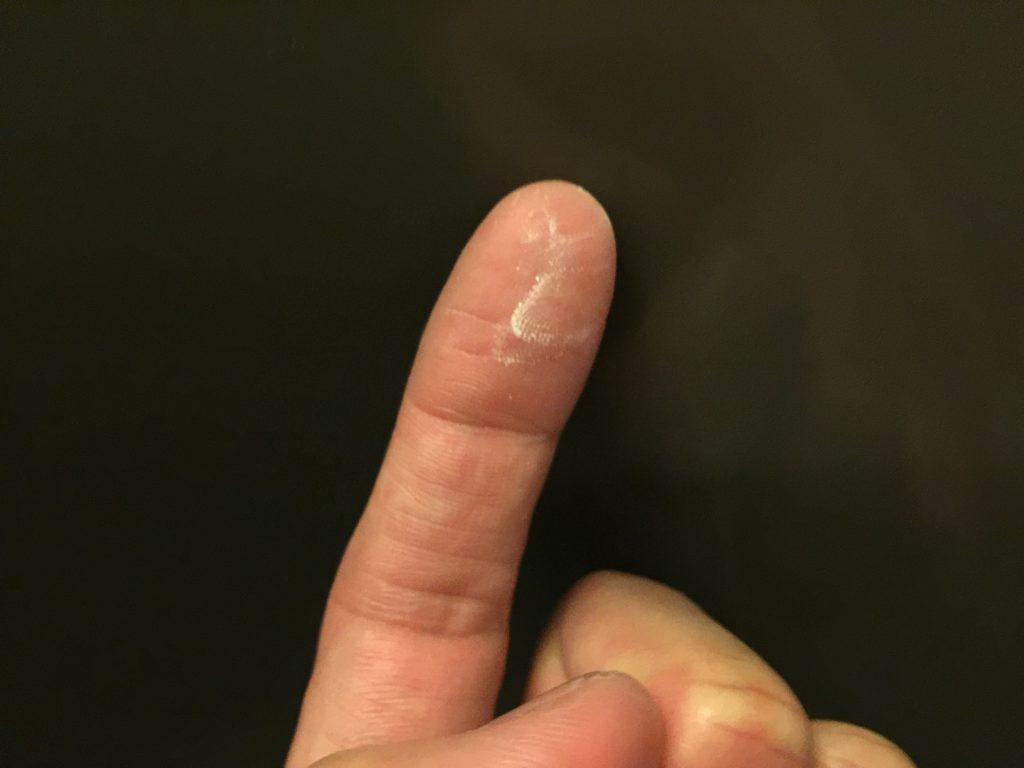 カルキ汚れが指で落ちる